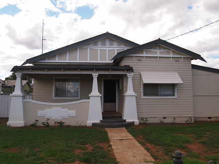 House - 139 Bathurst Street...