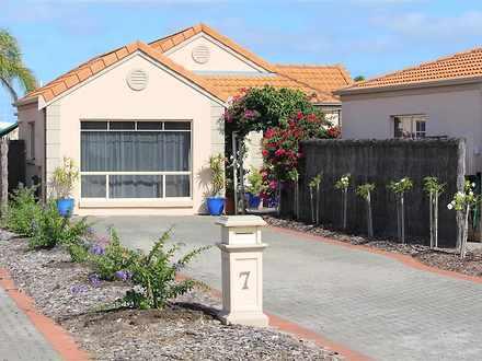 House - 7/20 Laguna Drive, ...