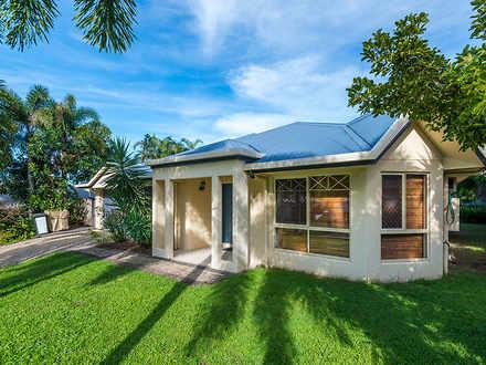 House - 9 Everglades Street...