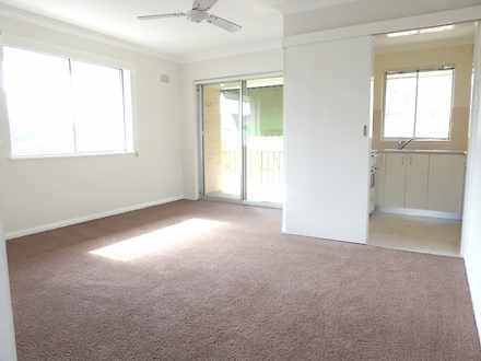 Apartment - 8/261 Pacific H...
