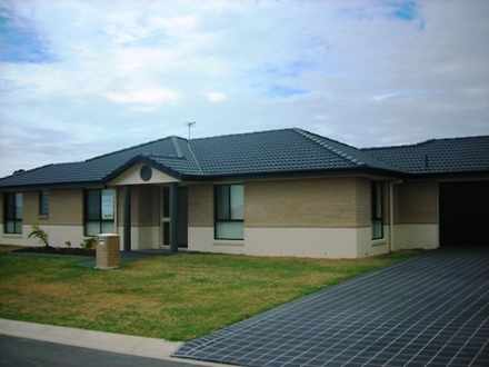 House - 2 Mia Crt, Hervey B...