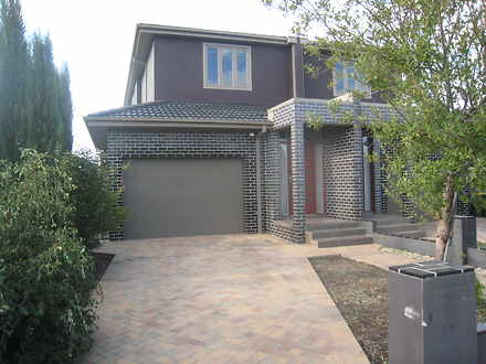 Townhouse - 10A Pearcey Gro...