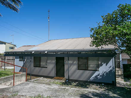 House - 14 Shellharbour Roa...