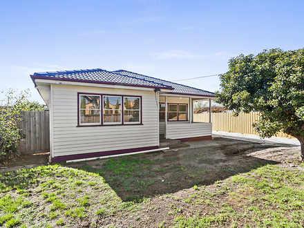 House - 1/127 Ballarat Road...