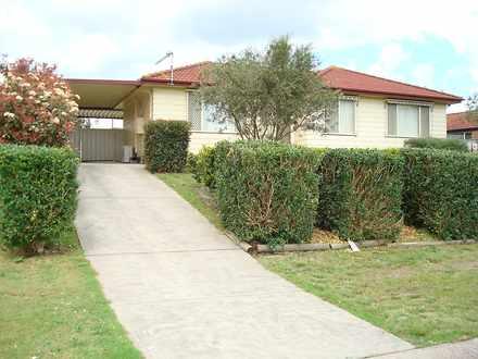 House - 3 Waterbush Crescen...