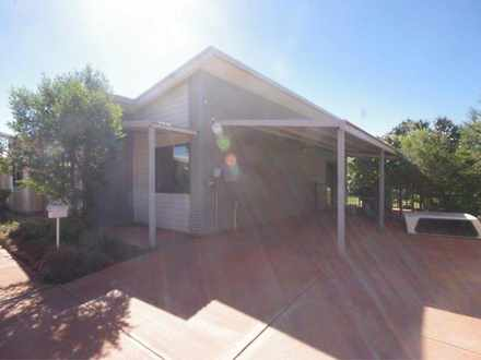 House - 42/4 Newman Drive, ...