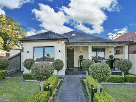 House - 15 Alfred Street, C...