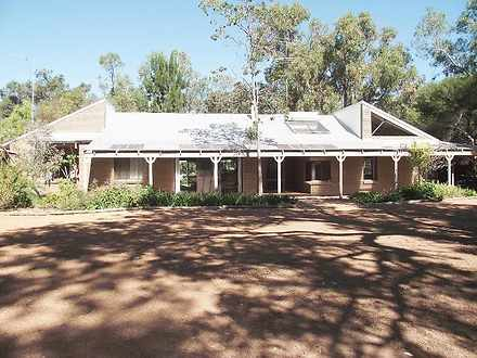 House - 15 Nutbush Avenue, ...