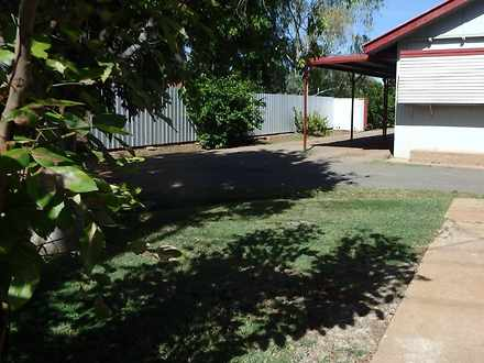Unit - 2/15 Camooweal Stree...