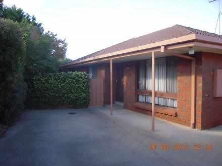 House - 2/40 Daldy Crescent...