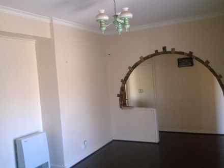 House - 6 Treves Street, El...