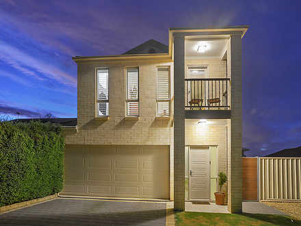 House - 8A Bathurst Avenue,...