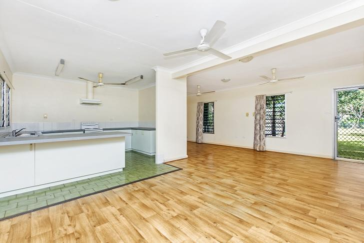 House - 40 Curlew Street, W...
