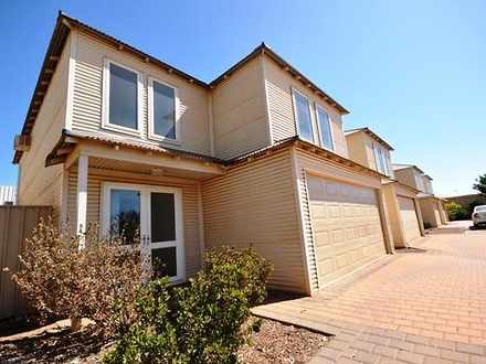 Townhouse - 19A Mcgregor St...