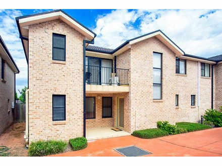Townhouse - South Windsor 2...