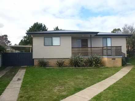 House - 4 Caoura Crescent, ...