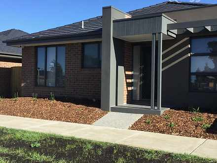 5 Malcolm Walk, Epping 3076, VIC Duplex_semi Photo