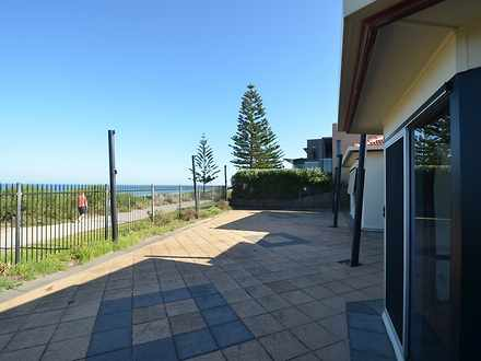 House - 387-389 Seaview Roa...