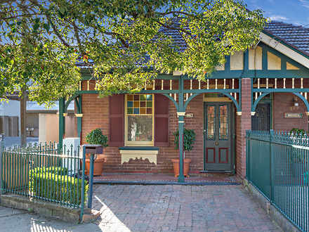 Semi_detached - 330 Victori...