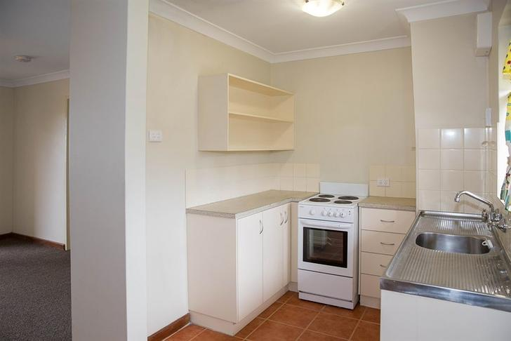 Apartment - 10/18 Huckle St...
