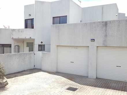 House - 2 Munro Street, Eas...