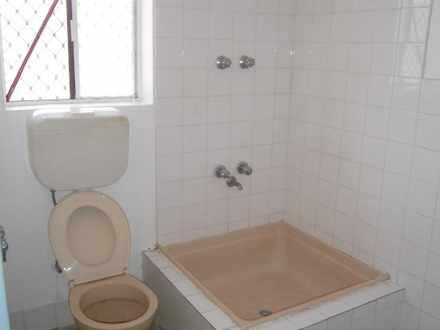 A34e51add9f6b9d1e2ae7ccd 7143 bathroom 1495679114 thumbnail