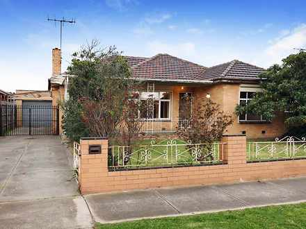 House - 30 Ferndale Road, S...