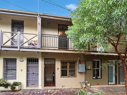 House - 7 Rennie Street, Re...