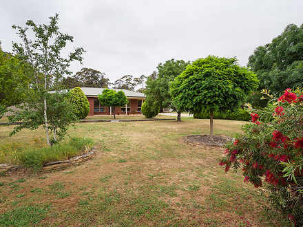 House - 16 Eleanor Drive, C...