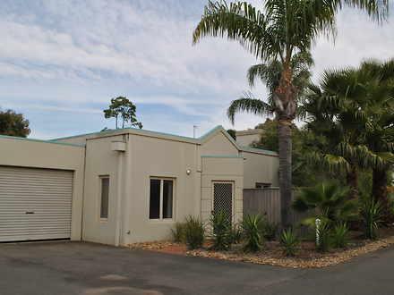 House - 2/217 Melbourne Str...
