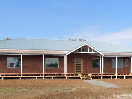 House - 822 River Road, Mur...
