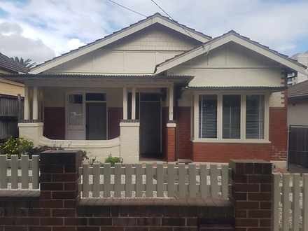 House - 18 Eurella Street, ...