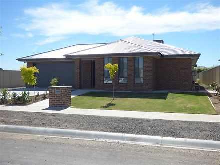 House - 10 Rissmann Drive, ...