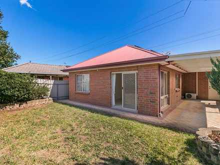 House - 10 Bradley Grove, M...