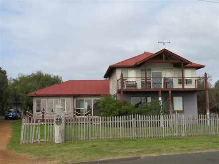 House - 958 Geographe Bay R...