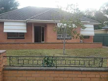 House - 4 Sandra Avenue, Ro...