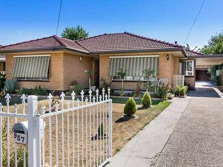 House - 957 Duffy Crescent,...