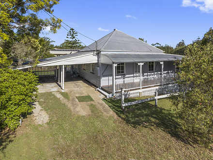 House - 6 Macalister Street...