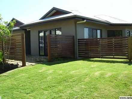 House - 2 Lyndon Close, Ben...