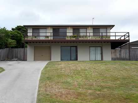 House - 18 Lawry Heights, S...