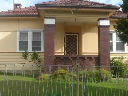 House - 99 George Street, S...
