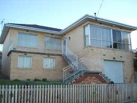 House - 82 Ashbourne Grove,...