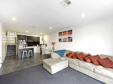 Townhouse - 8/2 Mcgovern St...