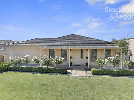 House - 32 Wallaroo Way, Hi...