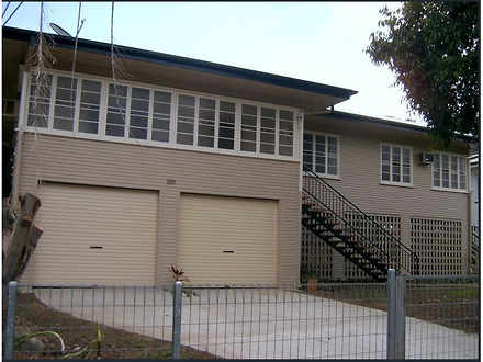 House - 100 Canning Street,...