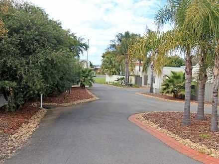 Villa - Melbourne Street, M...