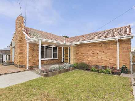 House - 1/19 Hinchcliff Cre...