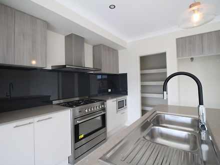House - 11 Banks Crescent, ...