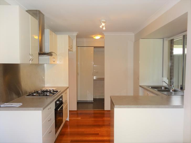 House - 2 Barbet Heights, B...