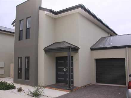 House - 4/92-94 Fenden Road...